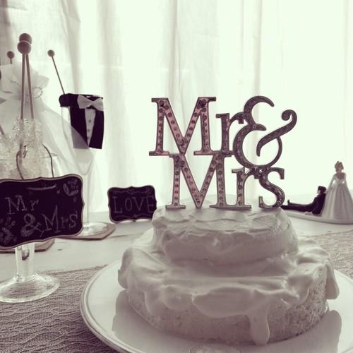 MR & MRS ケーキトッパー