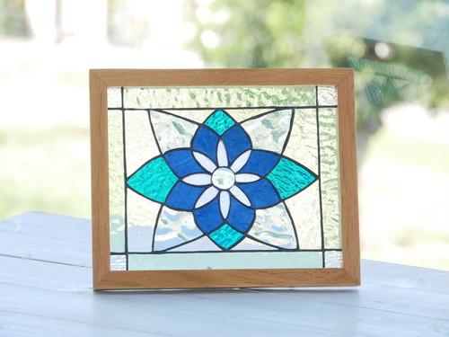 青い花のパネル
