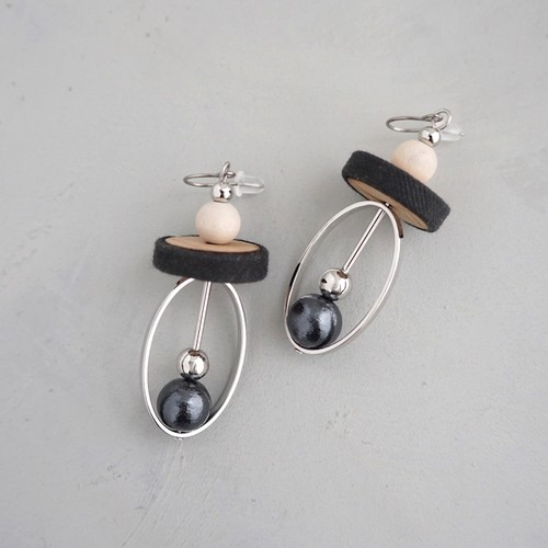 pierced earrings C-P02/earrings C-E02<black>