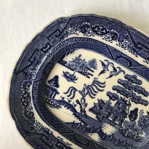 使い込まれたウィローのオーバル皿