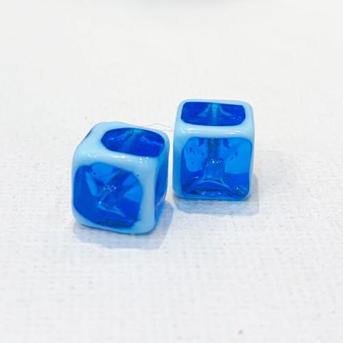 Item834 ヴェネチアンビーズ キューブ 淵あり ブルー 2個セット