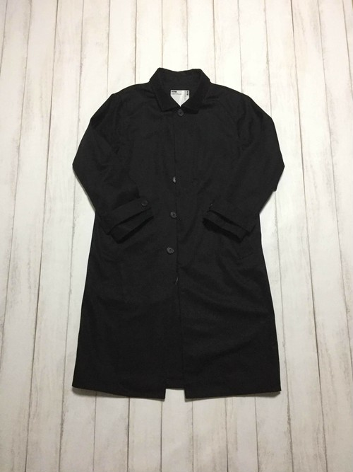fly front long coat / black
