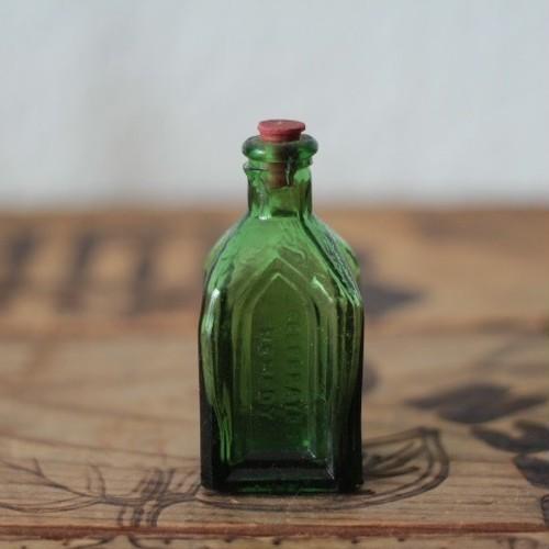 ヴィンテージ 小瓶/小さなグラスボトル グリーン