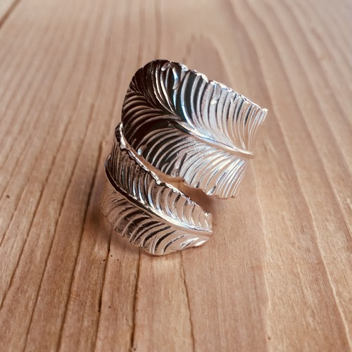Big feather ring   Silver