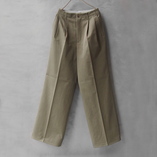 AURALEE WASHED FINX CHINO WIDE TUCK PANTS LIGHT KHAKI