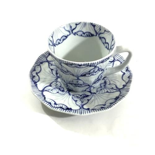 花弁紋碗皿