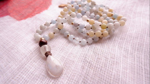 Japa Mala : Moonstone & Aquamarine & Beryl