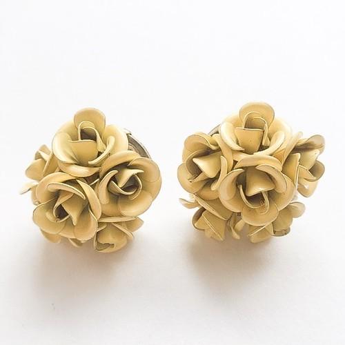yellow rose pierce[p-314]