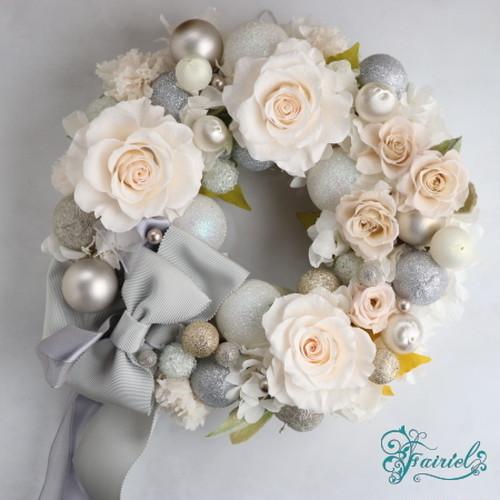 白銀にきらめく薔薇の結晶【ダイヤモンドリース】