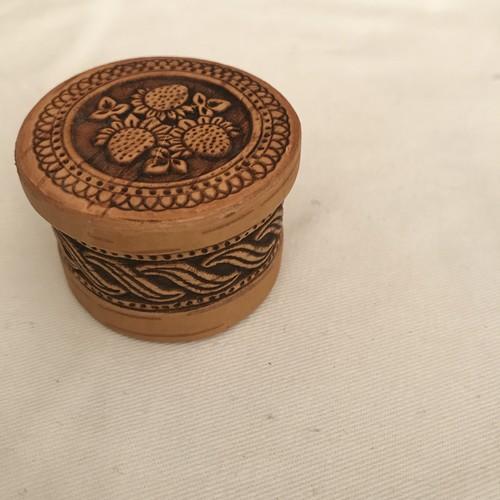 リトアニアの白樺の樹皮の小箱