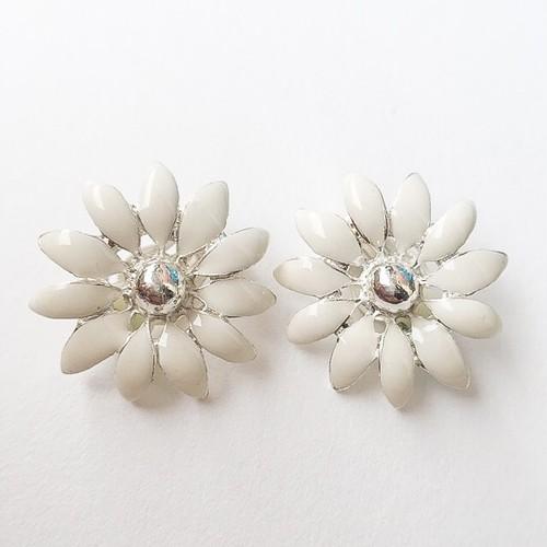 white flower earring[e-900]