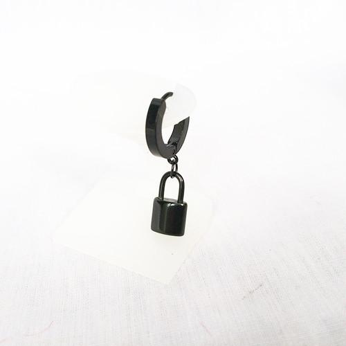 南京錠 鍵 スナップリング フープ ブラック 黒 BLACK ピアス 1949
