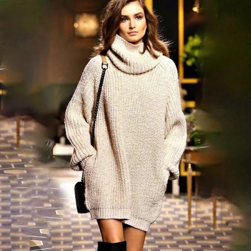 White oversized knitted sweater