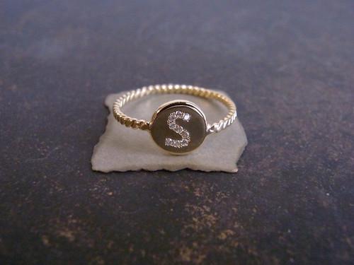 1g / K18×ダイヤモンド・アルファベットA~Zリング(1〜12号)