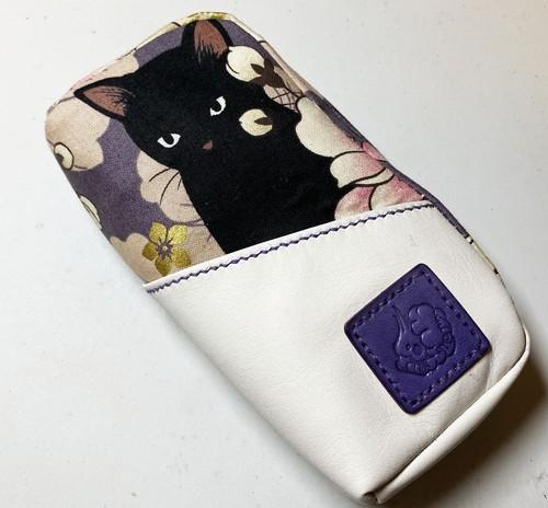 黒猫と革のL字ファスナーポーチ(紫x白) [260-pt]