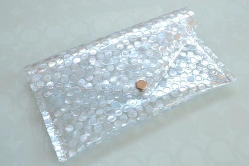 バッグのごちゃごちゃ小物をひとまとめキズ水濡れも防げる・レター型 ビニール ポーチ  水玉 ドット S