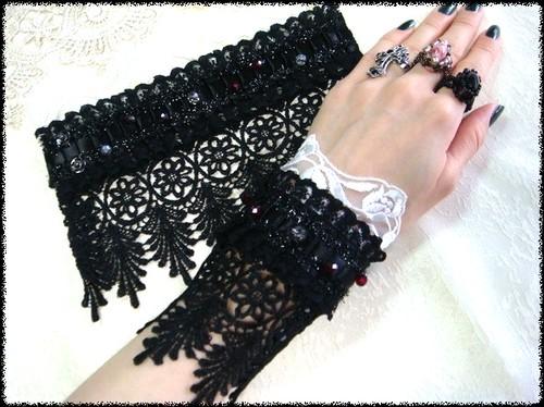 Gothic arm glove