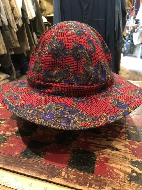 「BRACKETS」 remake hat using vintage British fabric