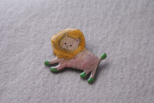 «crayon≫ Lion brooch