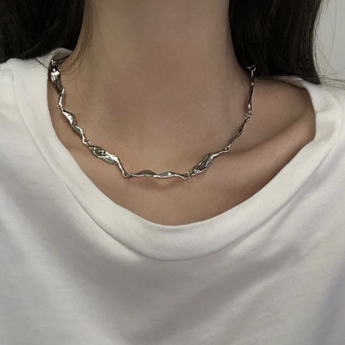 wave drop silver necklace
