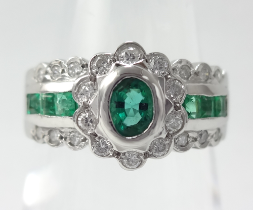 【SOLD OUT】ゴージャス エメラルドダイヤリング 0.41ct 0.20ct ~【Good Condition】Gorgeous emerald dialing 0.41ct 0.20ct~