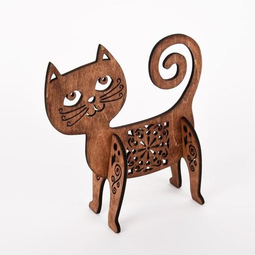 おちゃめ猫のオブジェ(木製インテリア)