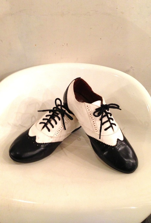 1980's~ 本革ウィングチップシューズ 黒×白