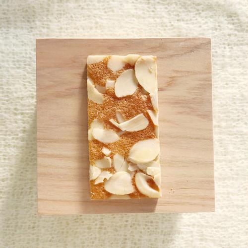 アーモンド|京菓子・林さんの松風