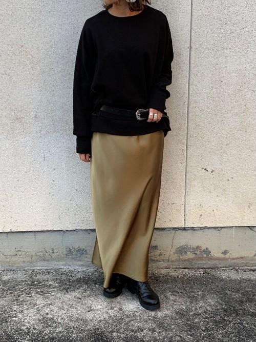 ✔︎new in  @tranoi._cruise サテンロングスカート