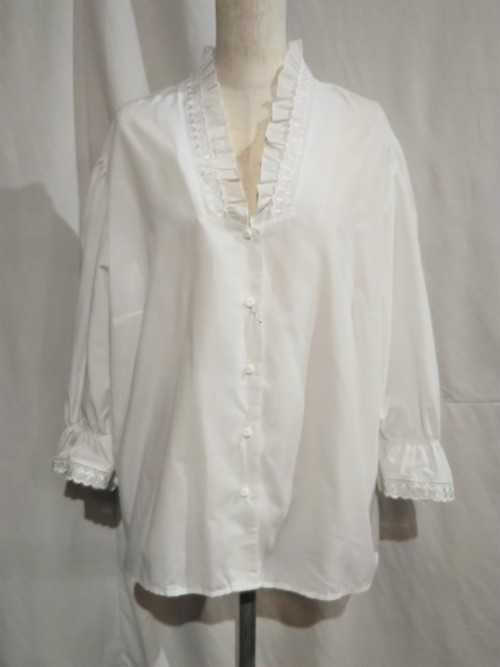 C&A  Frill collar&embroidery blouse [O-17]