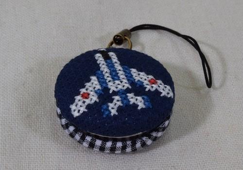 ブルーインパルス刺繍入りくるみボタンストラップ
