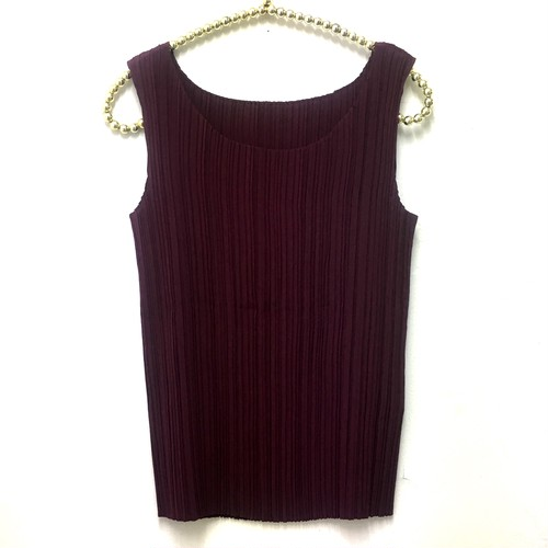 accordion pleats  top
