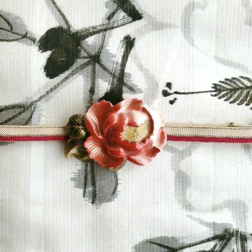 在銘有り 陶器製 牡丹 帯留・帯締めセット