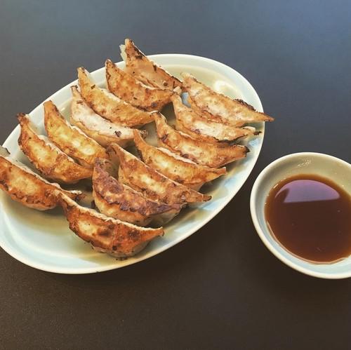 「焼ぎょうざ計60個!!  豚肉と野菜餃子(30個)+豚肉と生姜餃子(30個)」