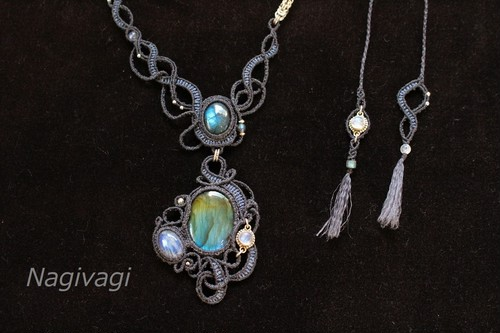 Labradorite & Rainbowmoonstone silverwire chainmail micromacrame necklace