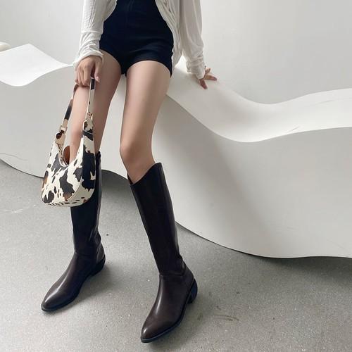筒周りゆったりロングブーツ 合皮 革 アーモンドトゥ ローヒール Vカット 美脚 脚長 黒 ブラック 白 ホワイト 茶 ブラウン カジュアル 履きやすい 痛くない 韓国