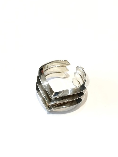【GARDEN OF EDEN】TRIANGLE STUDS MOUNTAIN RING #3
