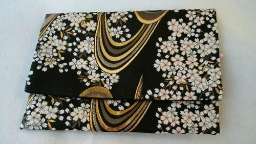 セール☆金襴 豪華御朱印帳ケース 流水桜 (黒地)ご祝儀袋も入ります。