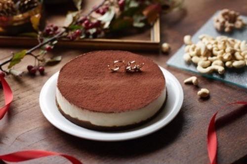 すぐ発送!クリスマスケーキ(15cm)ビーガンローティラミス※卵・乳・小麦・白砂糖不使用!ヴィーガン&グルテンフリー