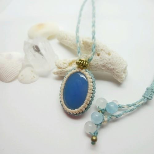 ブルーカルセドニー 天然石マクラメ編みペンダント