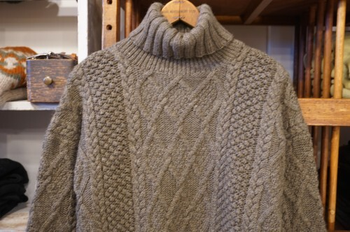 late 90's J.CREW ash-brown fisherman's turtleneck Sweater