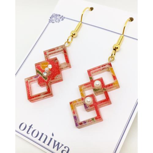 Polygon Square × Acrylic《和柄布入り紅紫黄金》 ピアス or イヤリング