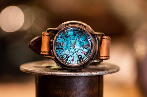 青サビで海をイメージした色鮮やかな文字盤の腕時計(Patrice Ocean/在庫品)
