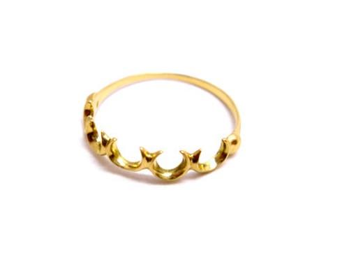 martine 馬蹄 バテイ ゴールドリング/指輪 5つの強力ラッキーアイテム馬蹄でとっても欲張りなゴールドリングです。【K18ゴールド】