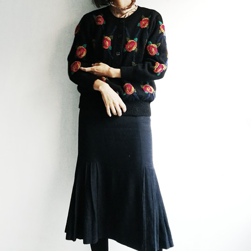 Japanese used embroidery flower knit 2