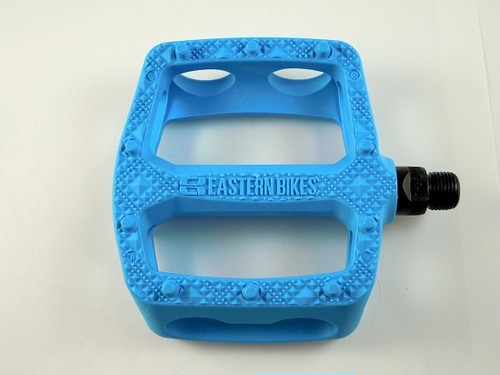 EASTERN Crown Pedal Hot Blue
