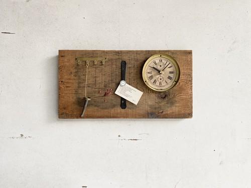 Clock727