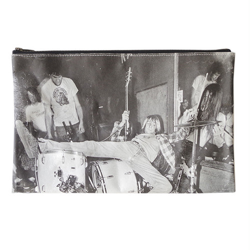 MT-B-092_Paper Clutch Bag feat. Charles Peterson