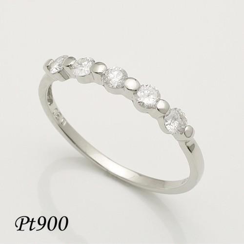 上質5石の天然ダイヤモンドがキラリと輝くプラチナリング♪ 人気の0.30ct★Pt900