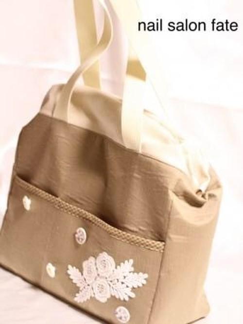 刺繍バラのベージュドクターズバッグ